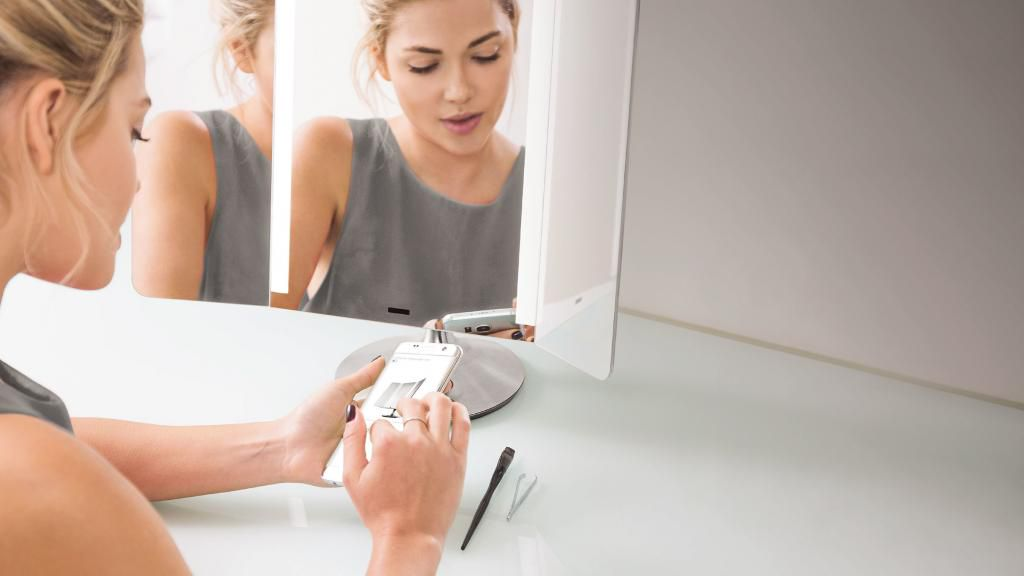 Spiegel Anti Condens : Badezimmerspiegel sensor app pro zilverkleurig simplehuman
